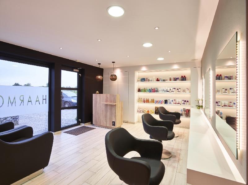 Duffel belgio saloni realizzati i saloni for Arredamenti per saloni di parrucchieri