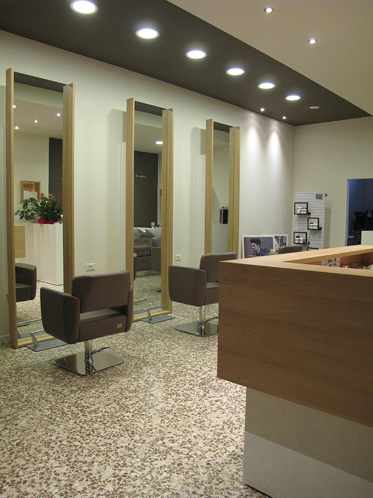 Cappelletta di borgo virgilio mantova italia saloni for Arredamenti per saloni di parrucchieri